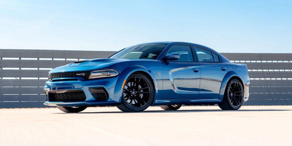 """El Dodge Charger Hellcat es nombrado como una de las 10 mejores """"gangas"""" entre los coches de rendimiento en 2020"""