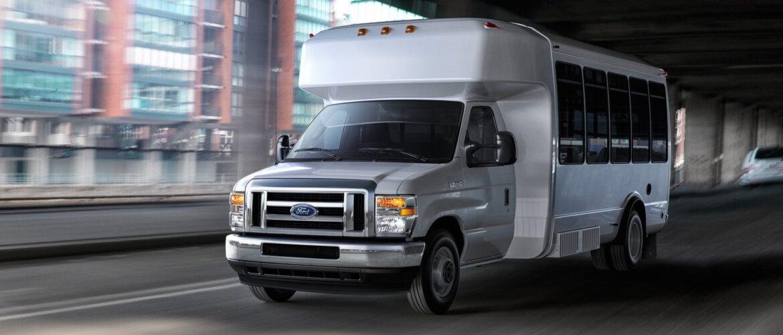 El motor Ford Godzilla V8 7.3L ofrece dos opciones en la serie E 2021