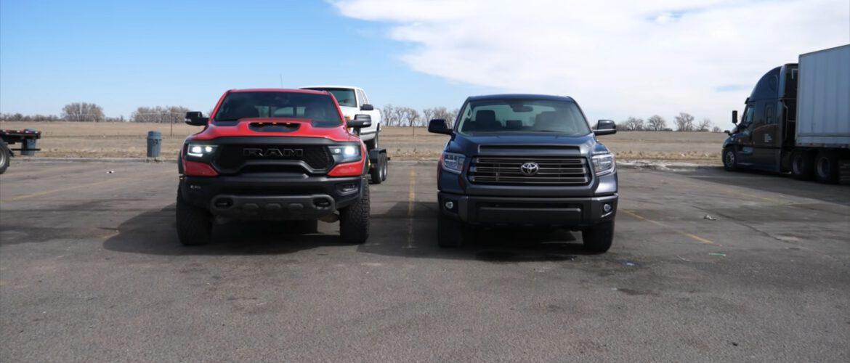 """La Ram 1500 TRX 2021 """"avergüenza"""" a la Toyota Tundra 2021 en la prueba de consumo con remolque."""