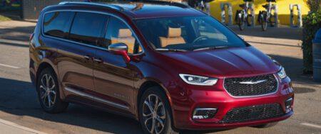 """La Chrysler Pacifica obtiene el título de """"Vehículo familiar del año"""" de AutoGuide"""