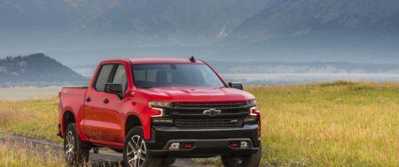 La Chevrolet Silverado LT Trail Boss 2022 añade el motor diésel de 3.0 litros a su gama.